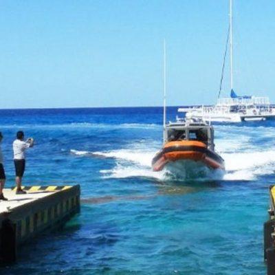 Rescatan a una joven que pretendía cruzar de Playa a Cozumel en una moto acuática, pero la máquina falló