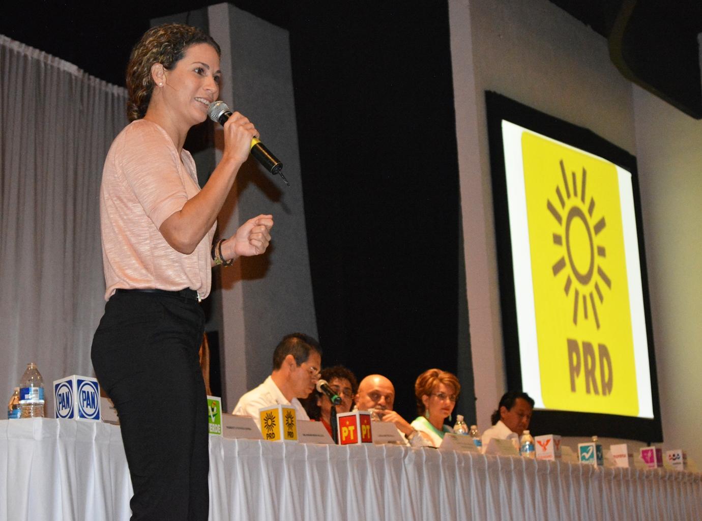 'RAZONAN' EL VOTO POR CANCÚN: Reúne el INE a seis candidatos para exponer propuestas para el Distrito 03
