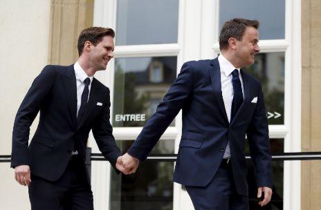 """""""PEQUEÑO ACONTECIMIENTO HISTÓRICO"""" EN LA UE: Primer ministro de Luxemburgo contrae matrimonio con su novio"""