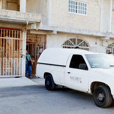 ASESINATO EN PLAYA: Torturan a golpes y apuñalan a un maquillista de bailarinas en cuartería de la colonia Ejidal