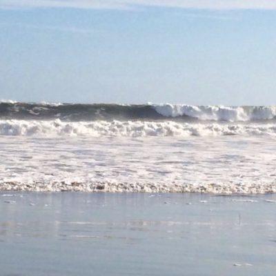 NO HAY ALARMA POR MAR DE FONDO EN QR: Minimizan riesgos por fuerte oleaje, pero llaman a guardar medidas preventivas