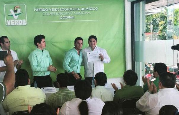 """""""¡OLÉ, TORERO!"""": Exhibe líder del PVEM en Cozumel doble careta como 'ecologista' y entusiasta de la fiesta brava"""
