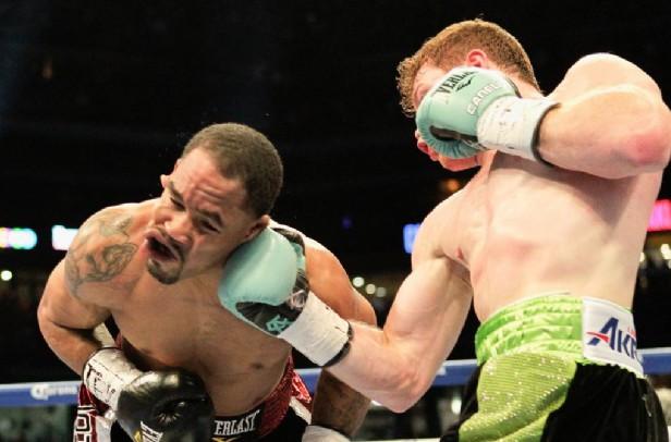 REGRESA CON POLVORA EN LOS PUÑOS: Noquea el 'Canelo' a Kirkland en el tercer round