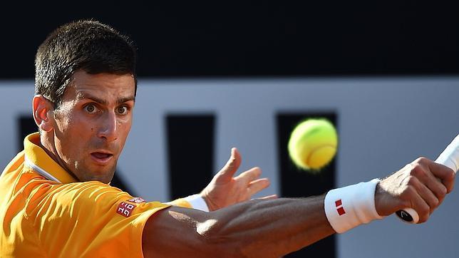 DJOKOVIC, INTRATABLE: Aplasta el tenista serbio a Roger Federer para coronarse en Roma