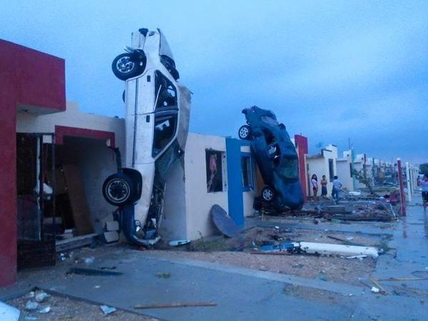 AZOTA TORNADO EN CIUDAD ACUÑA: Suman ya 13 muertos y severos daños materiales