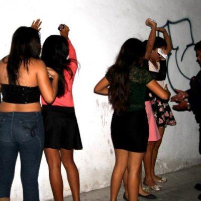 CONSUMIERON ALCOHOL Y MARIHUANA: Atienden a unos 15 jóvenes que participaron en fiesta clandestina en Chetumal