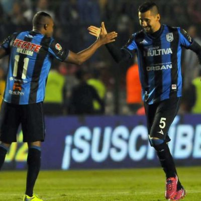 Con Ronaldinho en la banca, Querétaro derrota al Pachuca y enfrentará al Santos