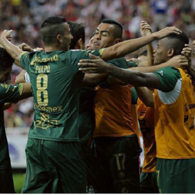 APLASTAN A CHIVAS: Con goleada 3-0, elimina Santos al Guadalajara de la Liguilla y va a la final del futbol mexicano