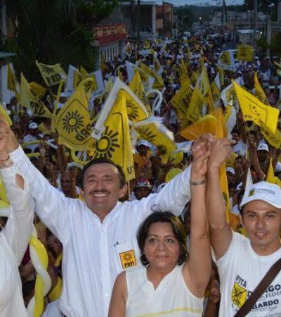 """Termina Domingo Flota su campaña con un llamado a razonar el voto porque """"ya no podemos permitir que los títeres de Peña Nieto sigan levantando la mano"""""""