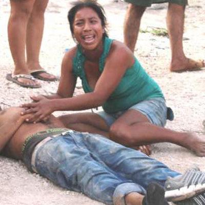 CORRE SANGRE EN FRACCIONAMIENTO INVADIDO: Sicarios disparan contra 2 hombres en 'In House' de Playa; muere uno y otro está grave