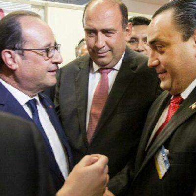 SE TOMAN LA FOTO CON HOLLANDE: Coincide presidente francés con gobernadores de QR, Edomex y Coahuila en París