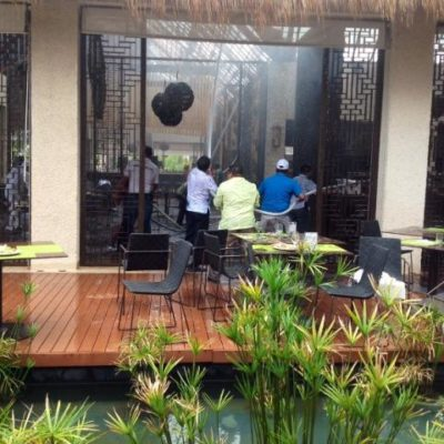 Por corto circuito, se quema la palapa del hotel Paradisus en Playa del Carmen