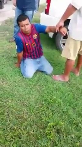 """¡SI TE AGARRAMOS, TE VAMOS A LINCHAR!"": Rescatan policías a ladrón de golpiza de vecinos en Chetumal"
