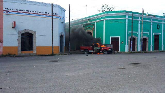 VIOLENTA JORNADA ELECTORAL EN TEMAX: Dos muertos, 10 heridos y camionetas incendiadas por trifulca entre panistas y priistas