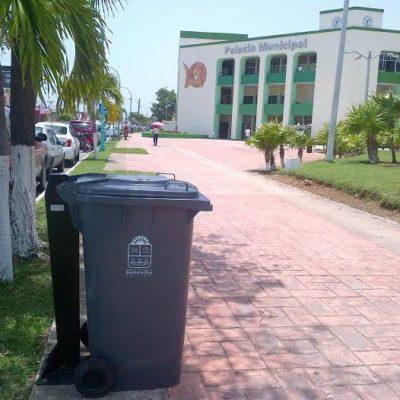 SE BUSCAN CIUDADANOS: Chetumaleños destruyen contenedores de basura en el Boulevard Bahía