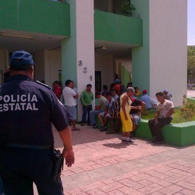 Protestan comerciantes ambulantes en el Palacio Municipal de Chetumal