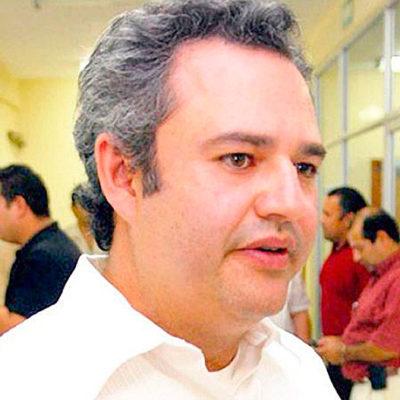 'EL CHAPO' SE LLEVA DE CORBATA A UN QUINTANARROENSE: Destituyen a Juan Ignacio Hernández Mora por la insólita fuga del capo