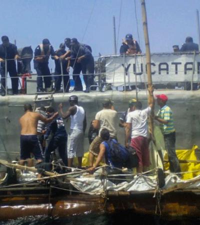 Cuando navegaban a la deriva frente a costas de Progreso, rescata la Semar a 12 cubanos