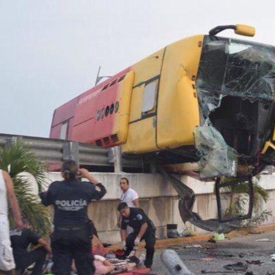 Siguen hospitalizadas 5 personas del aparatoso accidente en el puente Moon Palace