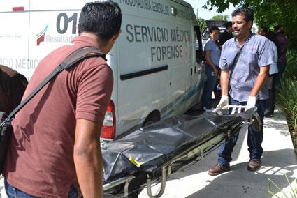 Encuentran a indigente muerto en lote baldío de la colonia Nicte-Ha de Playa del Carmen