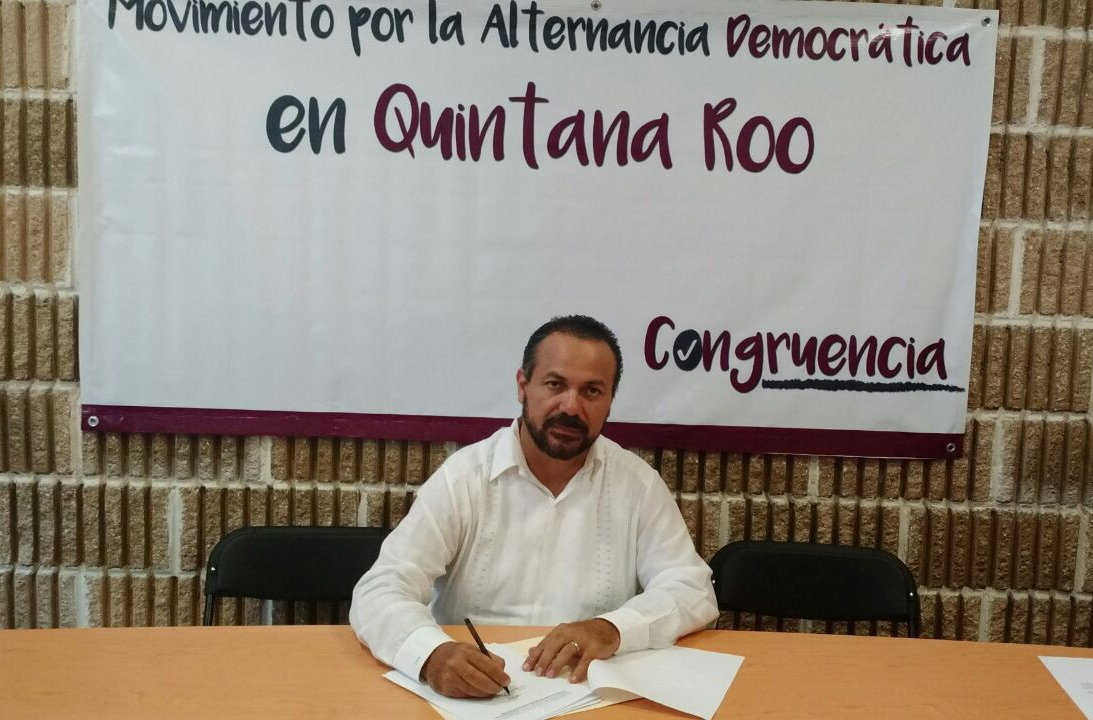 """CONFIRMA JULIÁN RENUNCIA AL PRD: Ex Alcalde de BJ y diputado local anuncian su salida del Sol Azteca y crean el Movimiento por la Alternancia en QR; """"no estamos de acuerdo en la forma en que se está gobernando"""", dijo"""