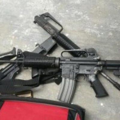 Entregan a PGR fúsiles AR-15 decomisados en Cancún