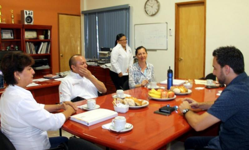 """""""NO NOS VAMOS A MOVER"""": Vecinos del fraccionamiento Corales se declaran en pie de lucha y rechazan reubicación pese a riesgo de derrumbes"""