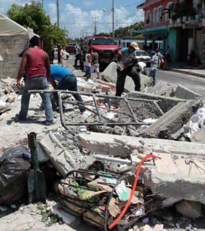 Se derrumba barda y aplasta a un albañil en Cancún