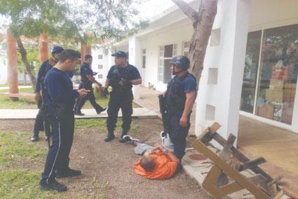 FUGA Y APAÑÓN EN CHETUMAL: Alarma y fuerte movilización policiaca por escape de reos al esconderse en un CIPI