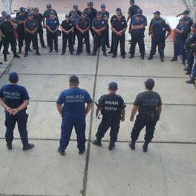 PARO POLICIACO EN MORELOS: Piden destitución de mando, aumento salarial y pago de bonos y prestaciones