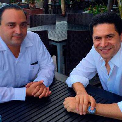 PRESUME BORGE 'AMISTAD' CON GREG SÁNCHEZ: El Gobernador se toma un café y fotografías con el polémico ex opositor de QR que anda tras Morena