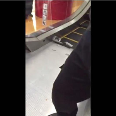 Al quedar atrapado en escalera eléctrica, un adolescente de 13 años pierde la pierna en plaza comercial de Ecatepec