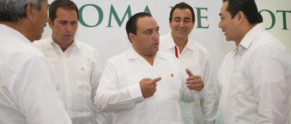 CONSUMAN IMPOSICIÓN EN LA UQROO: Toma Gobernador protesta a Ángel Rivero Palomo como nuevo Rector de la Universidad de Quintana Roo
