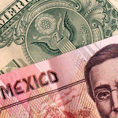 En el 'lunes negro' por la caída mundial de bolsas, el dólar cierra en $17.47 en bancos
