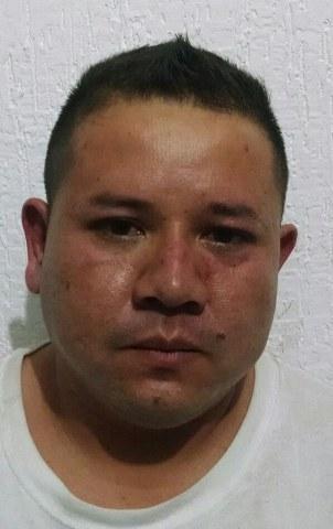 CAE OTRO NARCOTAXISTA: Detienen con más de 100 dosis de 'crack' a un chofer y a una mujer en la Región 226