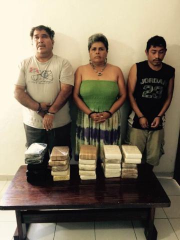 DAN GOLPE AL NARCO EN CALDERITAS: Detienen a 3 con 25 kilos de cocaína base valuada en 350 mil dólares