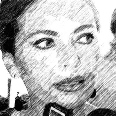 JUEGO DE SILLAS: Sara Latife y la paradoja de siempre vivir bajo el presupuesto