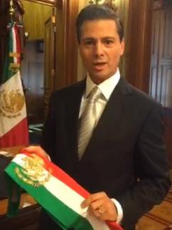 """PROVOCA PEÑA POLÉMICA EN PERISCOPE: """"Portaré la Banda Presidencial con gran orgullo…"""" y por poco cae al suelo"""