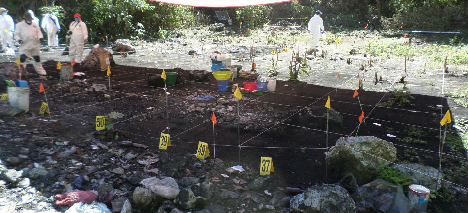 TUMBAN 'VERDAD HISTÓRICA' SOBRE AYOTZINAPA: Normalistas no fueron incinerados en basurero de Cocula, concluyen expertos de la CIDH