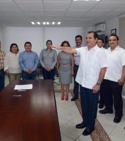 OFICIALIZAN SALIDA DE PEREYRA: Rinde protesta Rafael Castro como nuevo secretario del Ayuntamiento de Solidaridad; vendrán más cambios, dice Alcalde