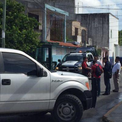 ASESINATO EN LA REGIÓN 90: Con una varilla enterrada en el ojo, hallan cuerpo de albañil en una cuartería de Cancún
