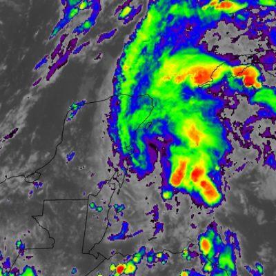 TOME SUS PRECAUCIONES: Seguirán lluvias sobre la Península de Yucatán por sistema de baja presión