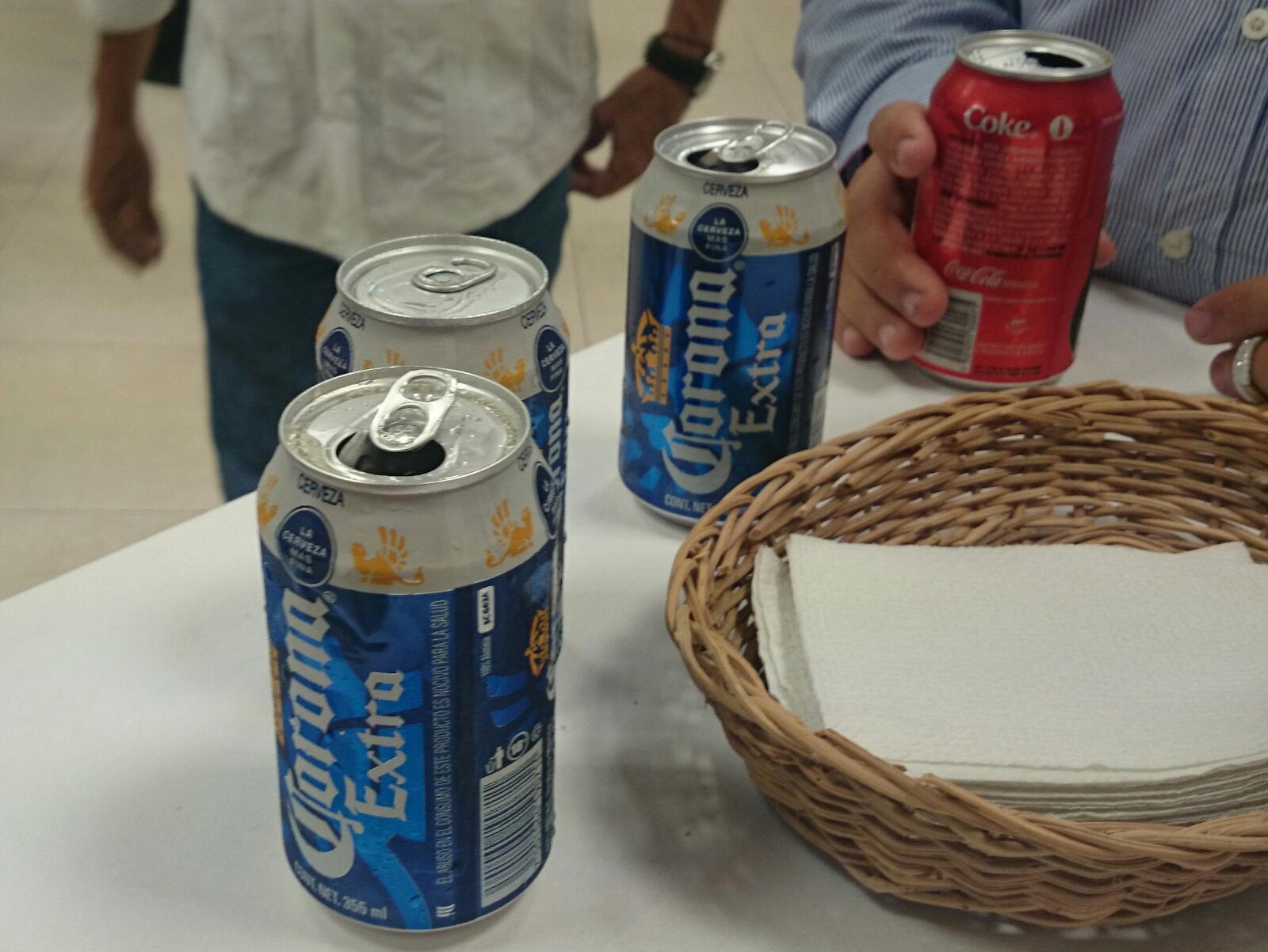 PAUL SE BURLA OTRA VEZ DE CANCUNENSES: Exhibe Alcalde doble moral al imponer ley seca durante el 'Grito', mientras corría alcohol en 'zona VIP'