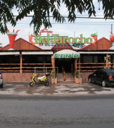 ATRACAN 'LA PALAPA DEL JAROCHO': Amagan a velador y roban cerveza y camarones en la Región 221