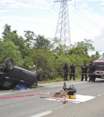 MORTAL EXCESO DE VELOCIDAD EN CARRETERA: Muere conductor al volcarse en la autopista Cancún-Mérida