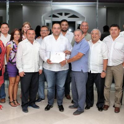 SE LES CUECEN LAS HABAS POR INDEPENDIZARSE: Entregan al Gobernador plan para convertir a Puerto Morelos en el onceavo municipio de QR