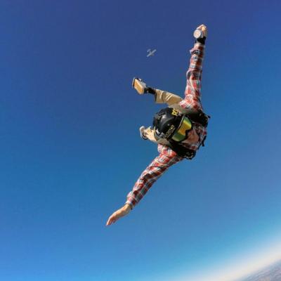 Fallece Erik Roner, deportista extremo y estrella de MTV, en exhibición de paracaidismo