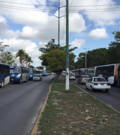 PEGA A CANCUNENSES HUELGA DE AUTOCAR: Conflicto entre sindicatos mantiene paralizados más de 200 autobuses