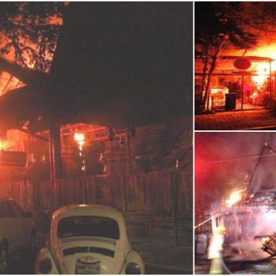 QUEMAZÓN EN PLAYA DEL CARMEN: Detienen a pirómano tras incendiar palapas de 2 restaurantes en la zona turística; reportan millonarias pérdidas
