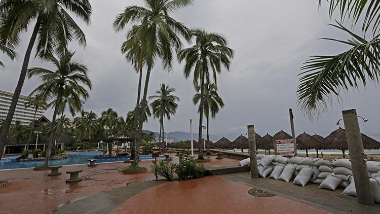 'PATRICIA' PERDONA A MÉXICO: A su paso por Jalisco, el mayor huracán de la historia se degrada a tormenta tropical; no hay muertos, sólo daños